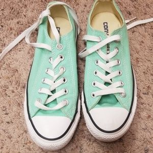 Converse All Star Shoes sz 7. Teal Green